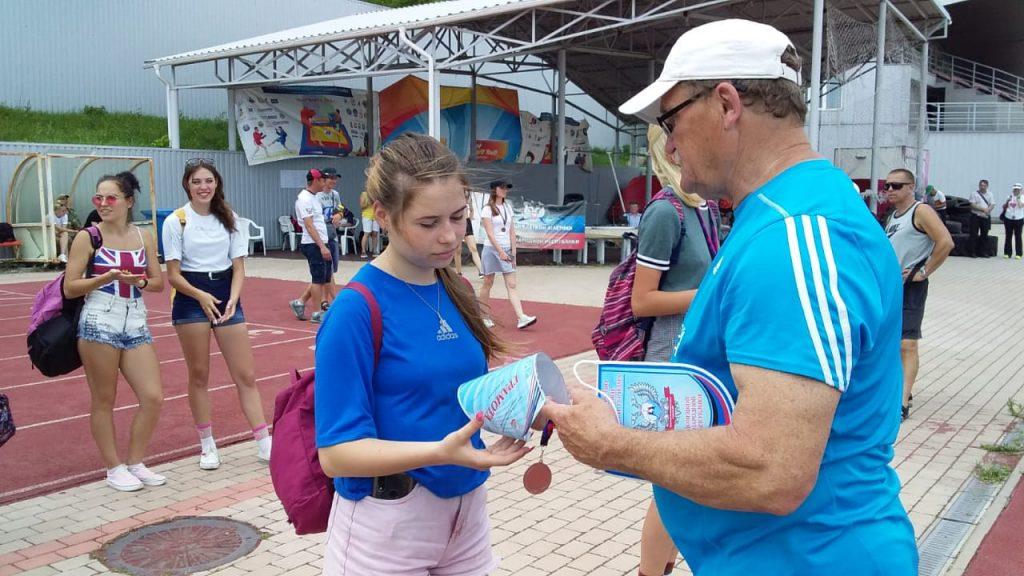 Спорт возвращается на стадионы: соревнования легкоатлетов на Олимпийском