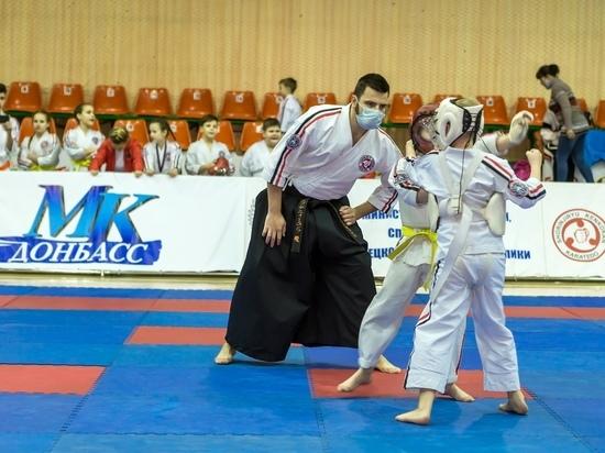 31 января — Соревнования по косики каратэ — Донецк