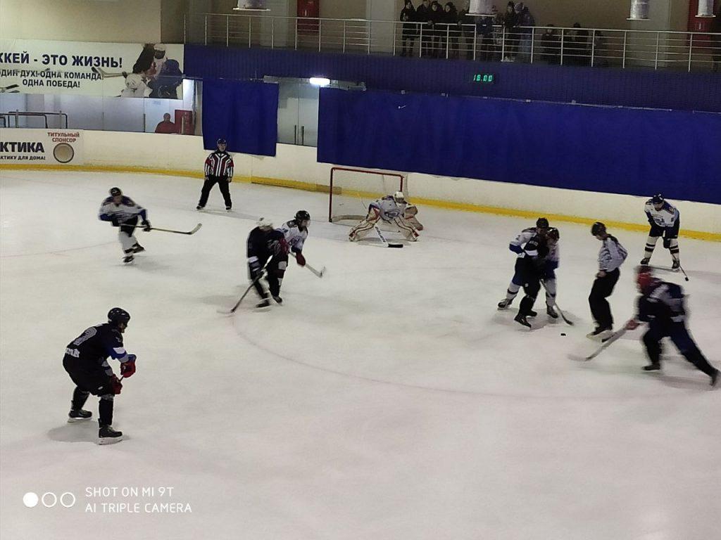 13 февраля - Старт чемпионата ДНР по хоккею - Донецк