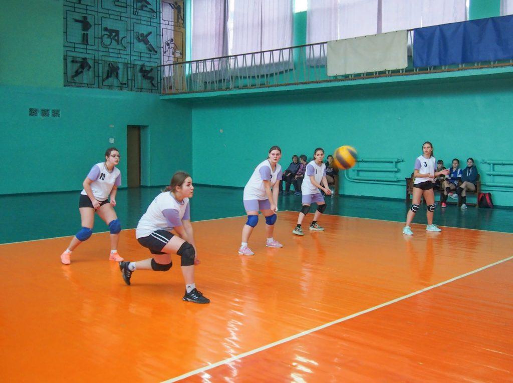 12 февраля - Первенство по волейболу памяти Семена Маркарьяна - Донецк