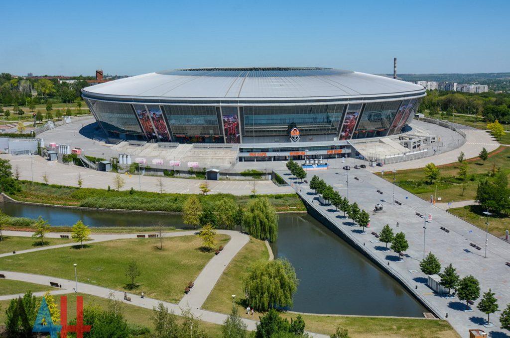Бесплатные парковочные места на прилегающей к СК «Донбасс Арена» территории