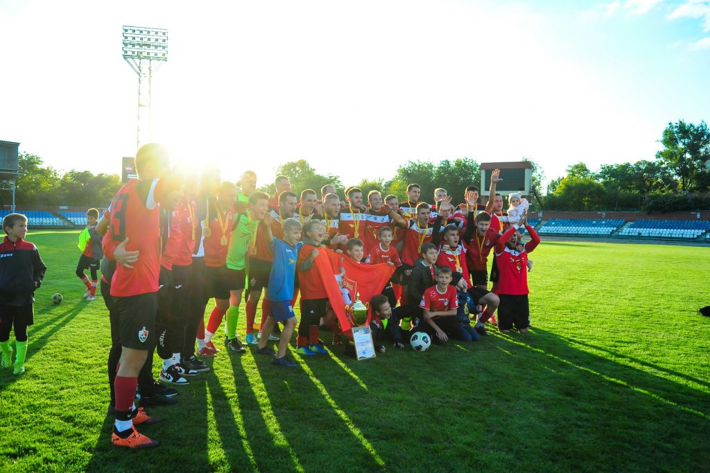 2 октября — Донецкий «Гвардеец» — обладатель кубка по футболу ДНР — СК «Металлург»