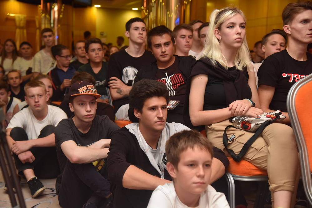 15 августа - Победа донецкой команды KORABLSMERTI на кибер-турнире по CS -